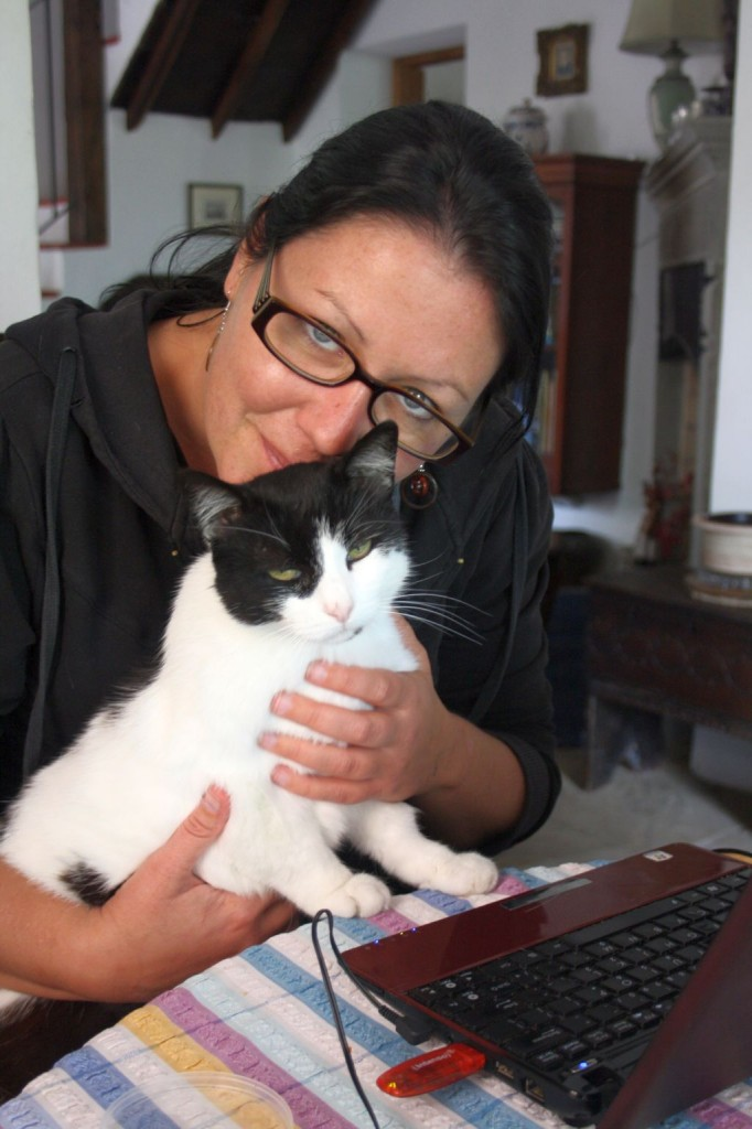 Jess with Housesit Kitten In Italy